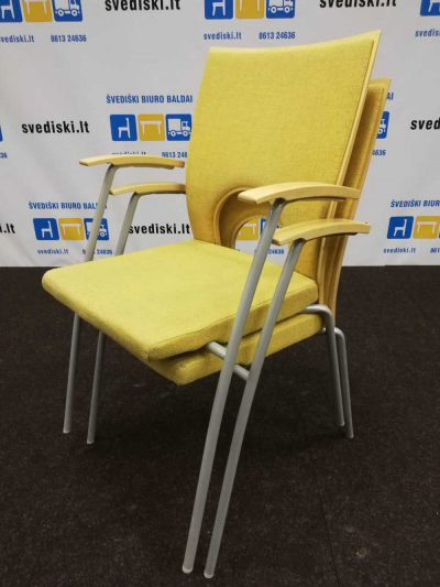 Švediški lt.Kinnarps Komplektas Su Geltonomis Keturiomis Kėdėmis, Švedija