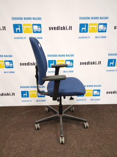 biuro baldai mėlyna spalva - darbuotojo kėdė svediski.lt, Stabilus biuro baldai, pakeliamas stalas, pakeliami stalai, darbo stalas, kampiniai darbo stalai, darbo kedes, lentynos spintos, komodos, konteineriai, zurnaliniai staliukai, spinteles, pakabinamos lentyneles, biuro komplektai, daiktadezes, biuro baldai namams, ofiso baldai, ofiso baldai verslui, konferenciju kedes, biuro lentynos, biuro spinteles, biuro spintos, baldai verslui, ergonomiskos kedes, ergonomiski stalai, ergonomiskas stalas, ergonomiska kede, ergonomiska spinta, ergonomiska spintele, stalciu blokai, spintos su stiklinemis durelemis, magnetines lentos, balta magnetine lenta, konferenciju stovai, vadovo biuro baldai, darbuotojų biuro baldai, Lankytojų kėdės, konferencines kedes, vilnius, kaunas, klaipeda, siauliai, panevezys, Efg, Martela, Edsbyn, Linak, Swedstyle, Horreds, Skandiform, Materia, Martinstoll, NC Nordic Care, Drabert, prabangus biuras, puikios, aukstos kokybės modernūs ergonomiški biuro baldai