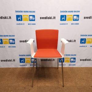Švediški. Garsnas Bird Balta Kėdė Su Oranžiniu Audiniu, Švedija