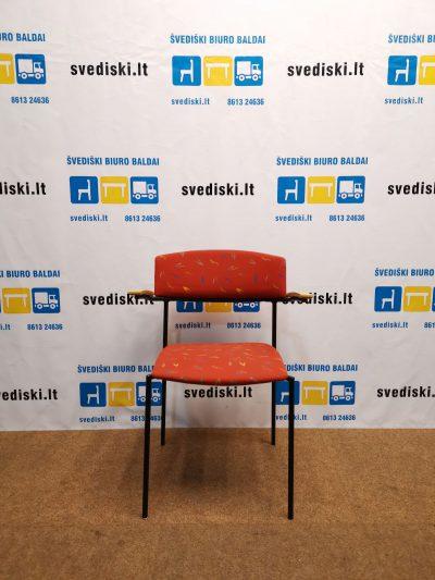 Švediški.lt EFG OFFY Lankytojo Kėdė Su Rankų Atramomis, Švedija