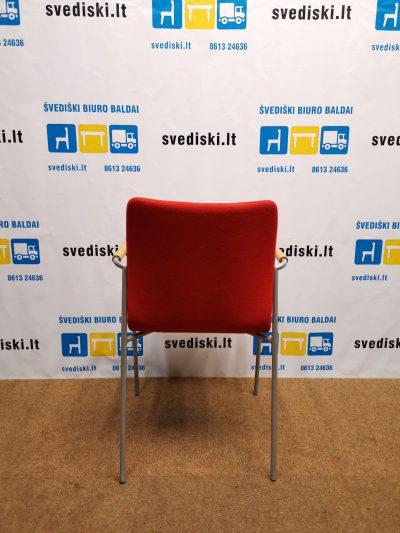 Švediški.lt Raudona Lankytojo Kėdė Su Natūralaus Ąžuolo Rankų Atramomis, Švedija