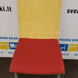 Švediški.lt Kleassons Mobler AB Raudona Lankytojo Kėdė Su Beržo Fanera, Švedija