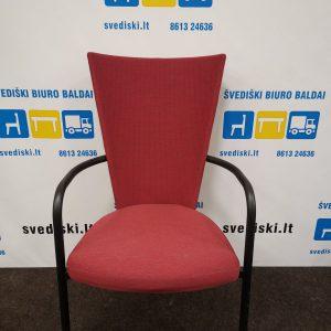 Švediški.lt Kinnarps ARI Raudona Lankytojo Kėdė Su Juodu Rėmu, Švedija