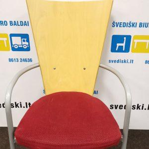 Švediški.lt Kinnarps ARI Beržo Lankytojo Kėdė Su Porankiais, Švedija