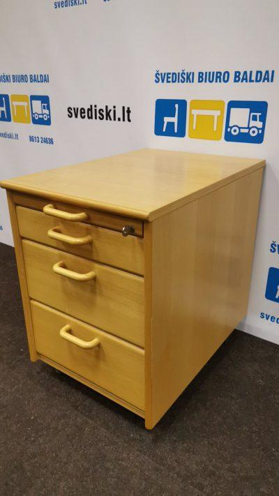 Švediški.lt Buko Stalčių Blokas Su Keturiais, Švedija