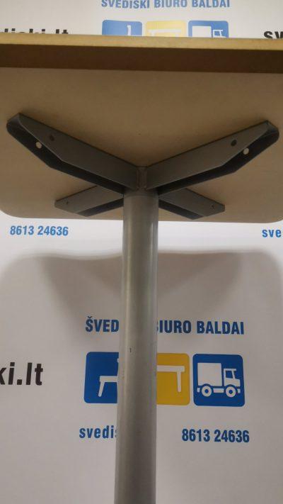 Švediški.lt Baltas Stalas Su Baltu Blizgiu Stalviršiu Ir Metaline Koja, Švedija