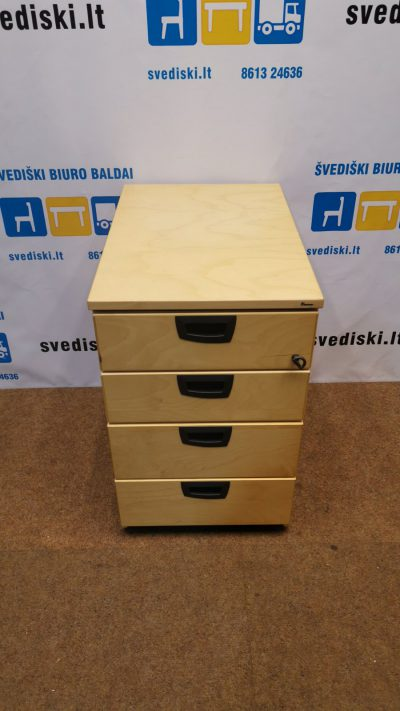 Svediski.lt Kinnarps Beržo 4 Stalčių Blokas Su Juodomis Rankenomis, Švedija