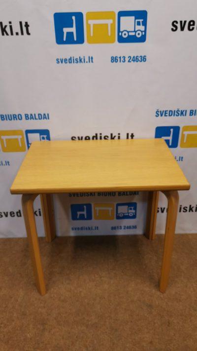 Svediski.lt Kinnarps Ąžuolo Stalas, Švedija