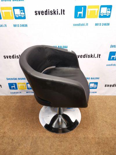 Juodas Dirbtinės Odos Fotelis Su Chromuota Koja, Švedija