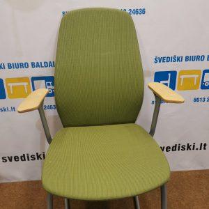 Kinnarps Plus Žalsva Biuro Kėdė Su Beržo Porankiais, Švedija