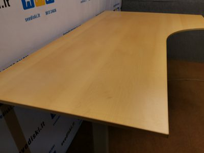 Linak elektra valdomas stalas