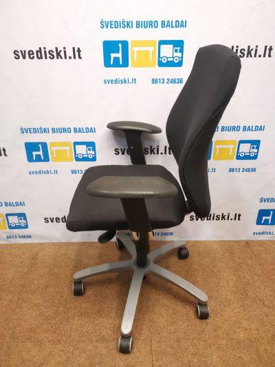 TCC Juoda Biuro Kėdė Su Porankiais, Švedija