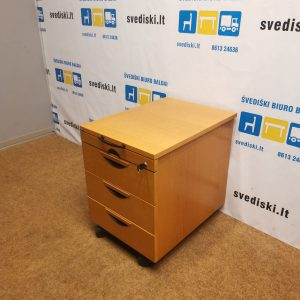 Rakinamas EFG Ąžuolo Stalčių Blokas Su 4 Stalčiais Ir Ratukais, Švedija
