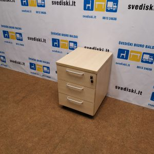 Rakinamas Šviesaus Medžio 3 Stalčių Blokas, Švedija