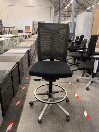 Aukšta Juoda Biuro kėdė Su Atrama Kojoms, Švedija
