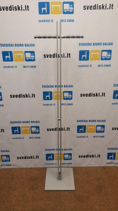 Pilka Metalinė Rūbų Kabykla, Švedija