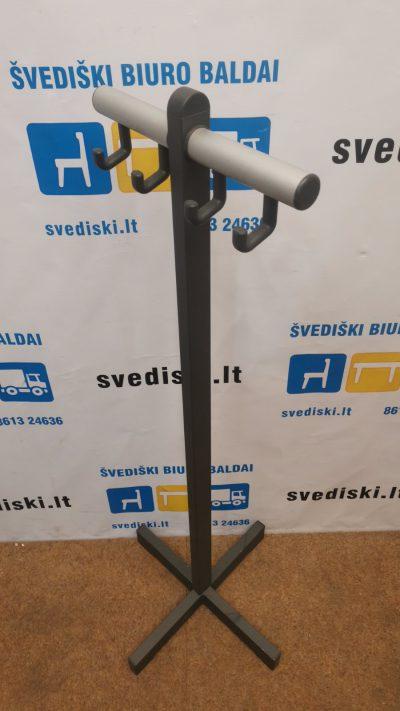 Žema 117cm Aukščio Juoda Metalinė Rūbų Kabykla, Švedija