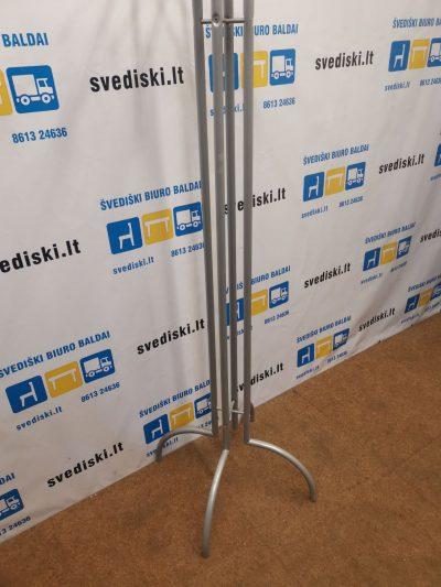 Metalinė Rūbų Kabykla 179 cm Aukščio Su Medinėmis Detalėmis, Švedija
