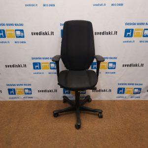 Kinnarps 9000 Ergonomiška Juoda Biuro Kėdė Su Pilka Detale Ir 3D Porankiais, Švedija