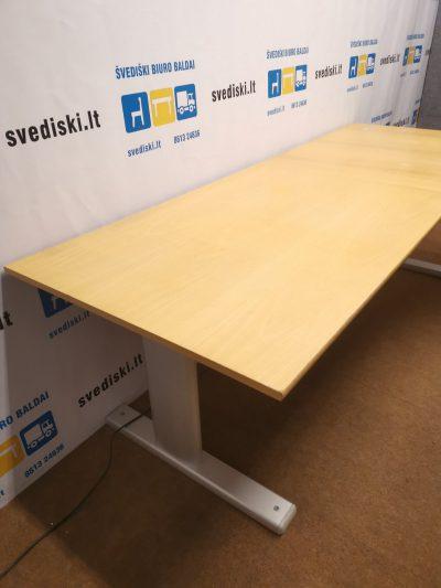 Elektra Reguliuojamo Aukščio Mechanizmas Su Dešininiu Buko 226cm Ilgio Stalviršiu, Švedija