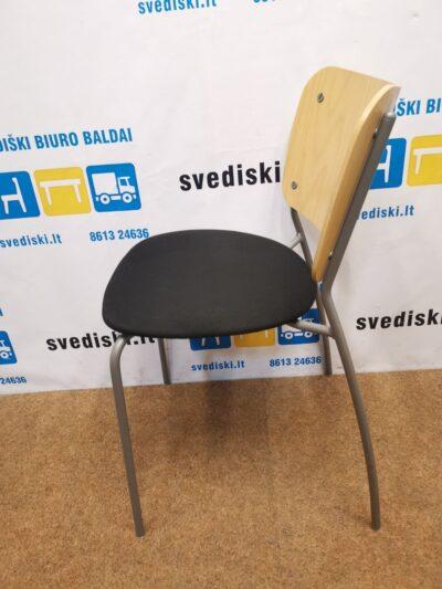 EFG Lankytojo kėdė Su Beržu Ir Juodu Audiniu, Švedija
