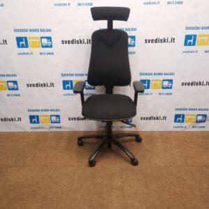 Hoganas Plus 381 Juoda Biuro Kėdė Su Reguliuojamais Porankiais, Švedija