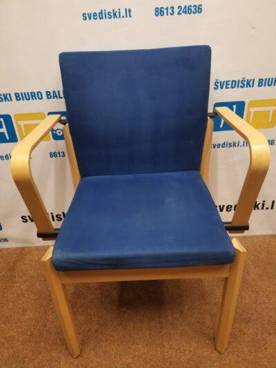 Kinnarps Milton Mėlyno Audinio Kėdė Su Beržo Porankiais, Švedija