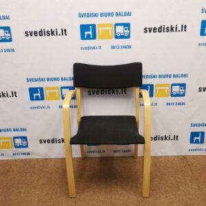 EFG Lankytojo Kėdė Su Buko Rėmu Ir Juodu Audiniu, Švedija