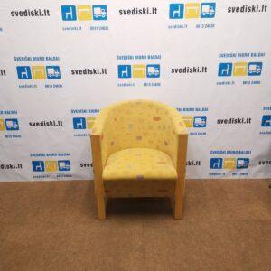 Miljo Expo Gelsvas Fotelis Su Beržo Kojomis, Švedija