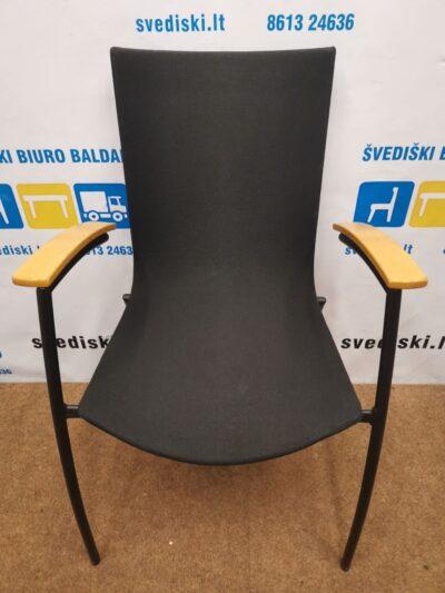 Kinnarps Citra Juoda Kėdė Su Buko Rankų Atramomis, Švedija