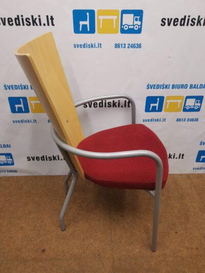 Kinnarps ARI Beržo Lankytojo Kėdė Su Raudonu Audiniu, Švedija
