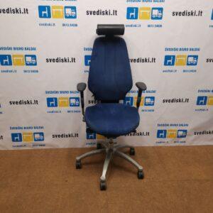 RH Logic 400 XL Mėlyna Biuro Kėdė Su Alkantaros Audiniu Ir 4D Porankiais , Švedija