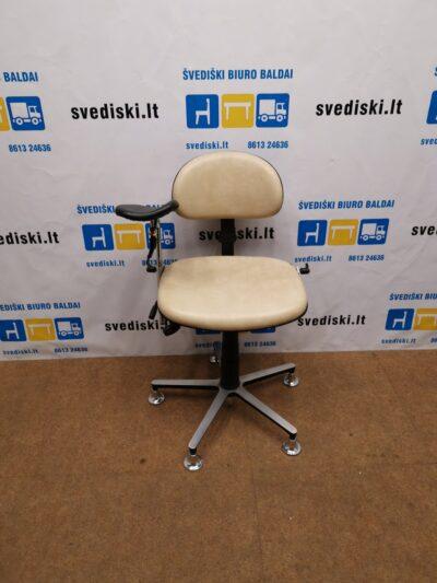RH Labaratorinė Kėdė Su Natūralia Oda Ir Rankos Atrama, Švedija