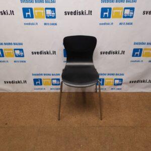 Juoda Kėdė Su Chromuotu Rėmu, Švedija