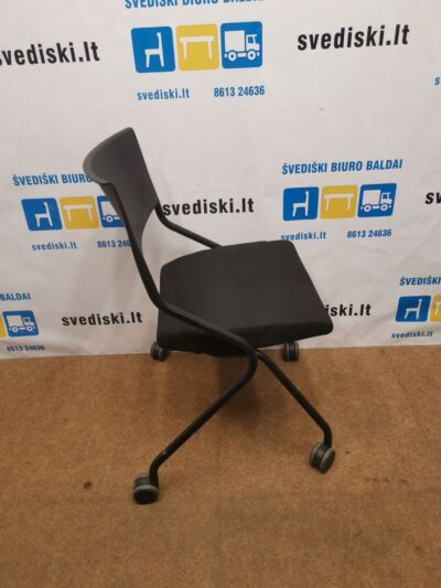 Sedus Flip Flap Juoda Kėdė Su Užlenkiama Sėdyne, Švedija