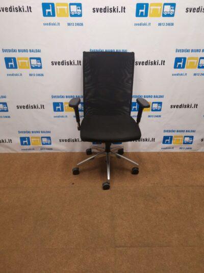 Antares Juoda Biuro Kėdė Su Tinkleliu Ir 3D Porankiais, Čekija