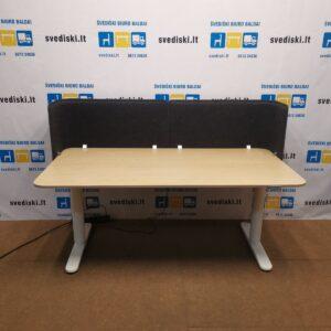 Ikea BEKANT Elektra Reguliuojamas Stalas Su Baltai Beicuotu Ąžuolo Stalviršiu Ir Sienele, Švedija