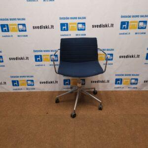 Mėlyna Kėdė Su Chromuotu Rėmu Ir Ratukais, Švedija